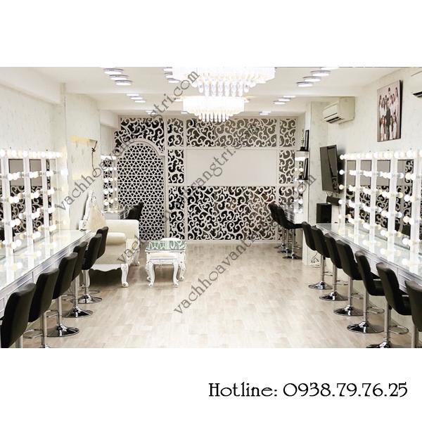 Công trình vách ngăn nhựa cửa vòm trang trí đẹp tại học viện trang điểm và tạo mẫu tóc Ngọc Thạch